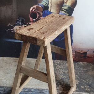 Oud houten bankje voor in een landelijk interieur | Benard's Woonaccessoires