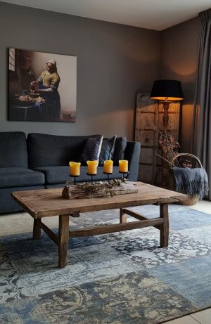 Salontafel gemaakt van oud doorleefd hout voor in een stoer en sober interieur   Benard's Woonaccessoires