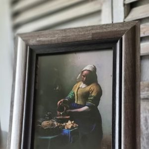 Fotolijst het met Melkmeisje | een sobere wanddecoratie voor in een sober interieur | Benard's Woonaccessoires