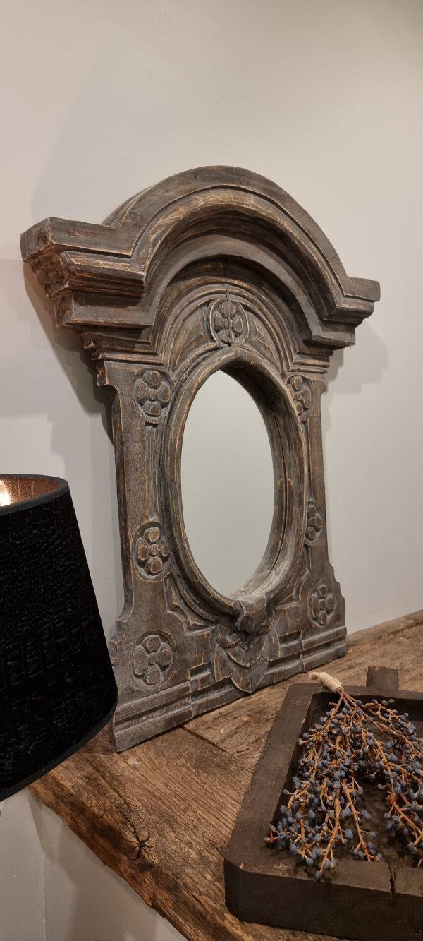 Toogspiegel oud hout   voor in een stoer en sober interieur   Benard's Woonaccessoires